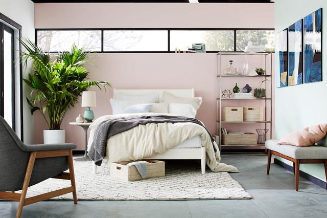Trendy Bedroom contemporary-sovrum