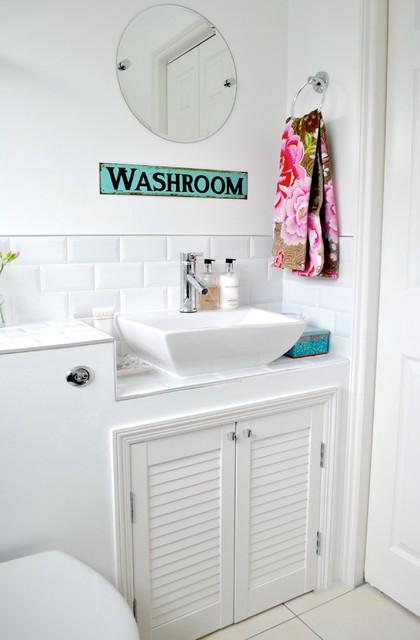 10 astuces pour d corer ses toilettes avec moins de 50 euros. Black Bedroom Furniture Sets. Home Design Ideas
