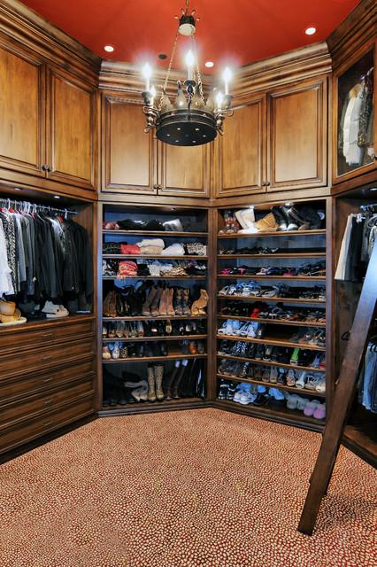 1. Old World Estate traditional-closet