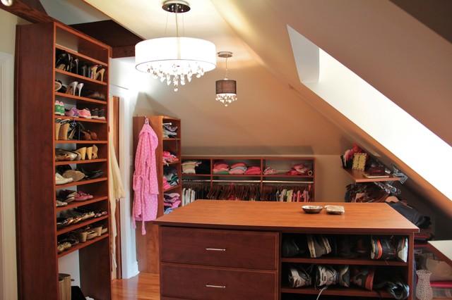 3rd Floor Renovation: Master Suite traditional-closet