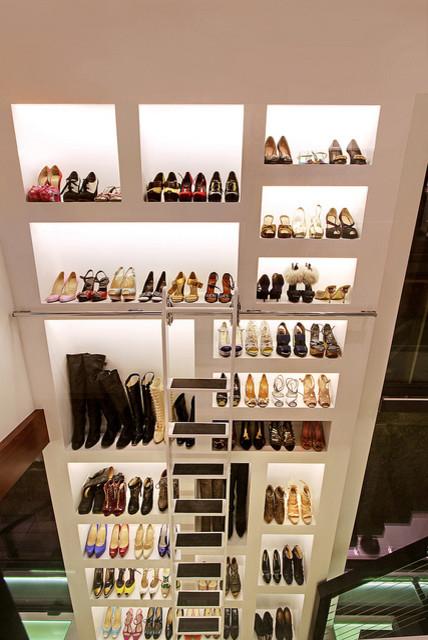 604 Acacia Ave contemporary-closet