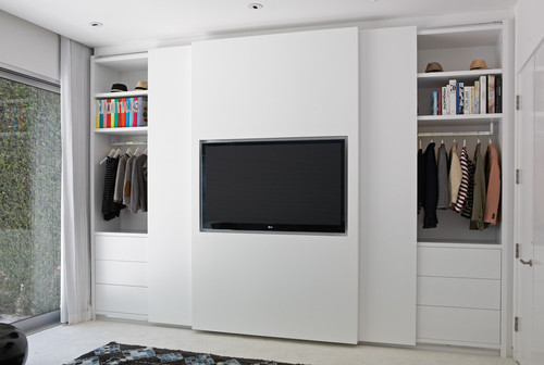 Is Safe For The TV On Sliding Door?
