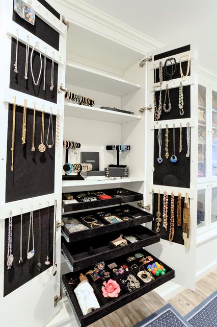 Attic Dressing Room Traditional Closet