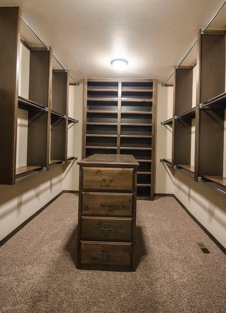 Belmont Park III traditional-closet