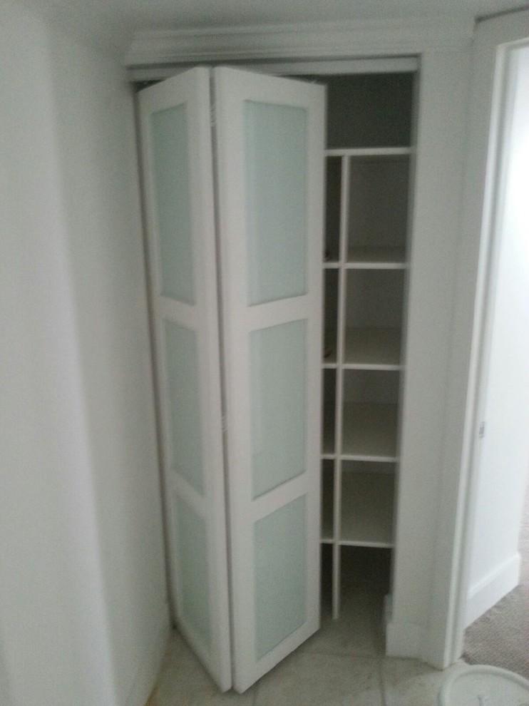 Example of a trendy closet design in Miami