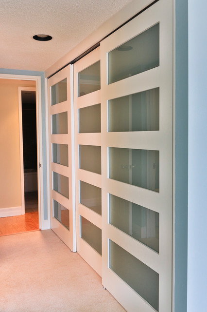 Inspiration For A Contemporary Closet Remodel In Ottawa
