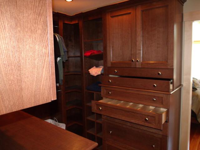 Bragdon -Reeves traditional-closet