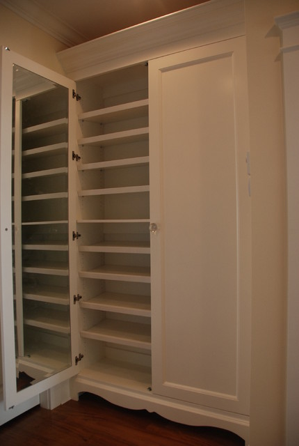 Superieur Built In Shoe Closet Traditional Closet