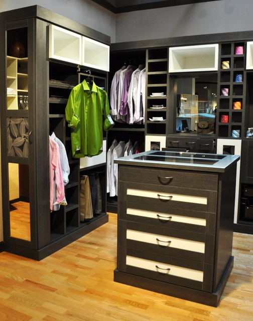 California closets walk ins modern closet for Men s walk in wardrobe