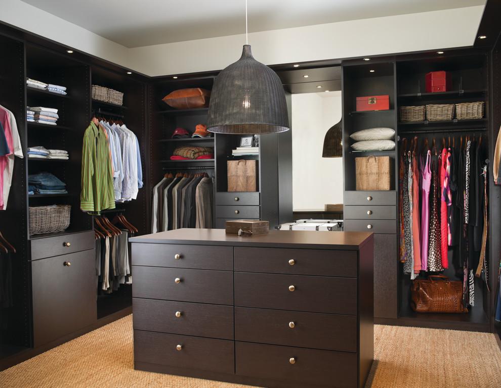 Walk-in closet - contemporary walk-in closet idea in Minneapolis