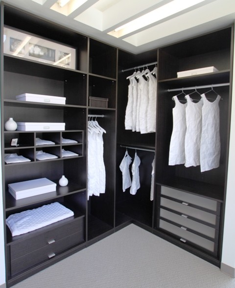 California closets walk ins for Walk in wardrobe design