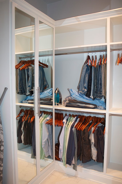 Calm colorful family retreat contemporary-closet