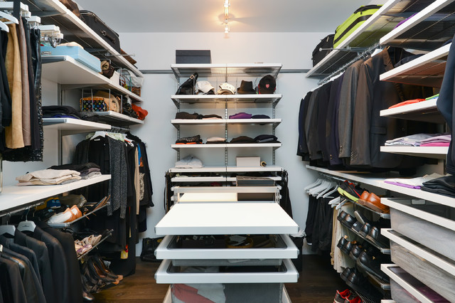 Chicago penthouse contemporary closet chicago by for Closets by design chicago