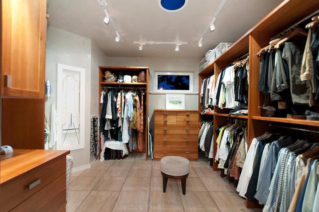 Christopherson Road contemporary-closet