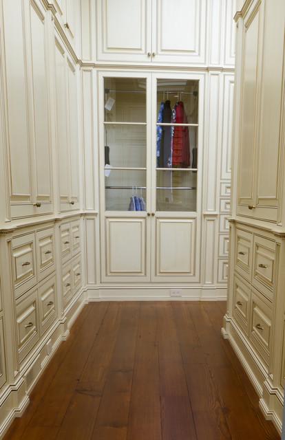 Classical Glazed White Dressing Room