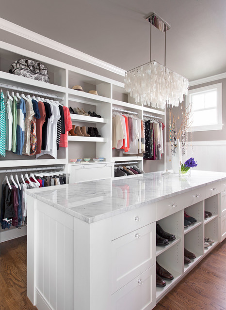 Clean & Classic transitional-closet