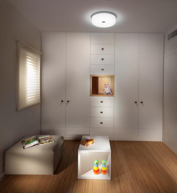 closet contemporary-closet