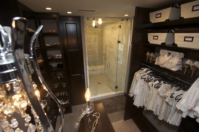 Closet traditional closet