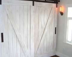 http://rusticahardware.com/bypass-barn-door-hardware-system/# closet