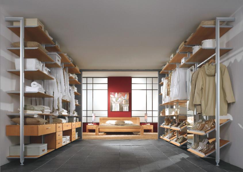 Closet - modern closet idea in New York