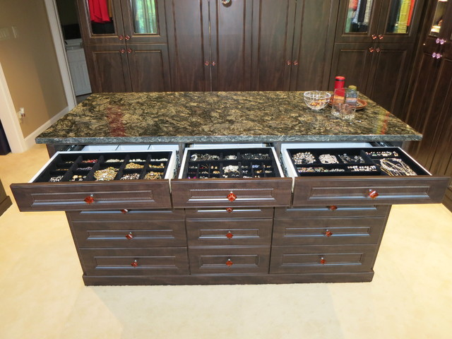 Closets,Jewelry Drawers and Cabinets - Traditional - Closet - dc metro - by Capitol Closet Design