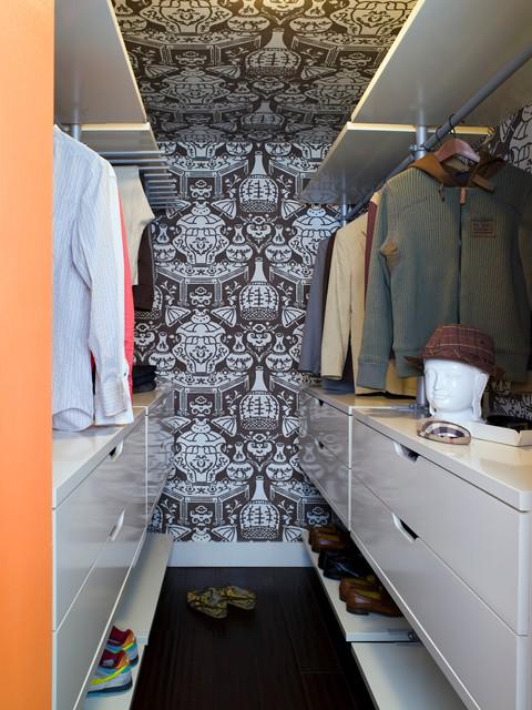 Colorful loft in los angeles contemporary closet los for Closet design los angeles