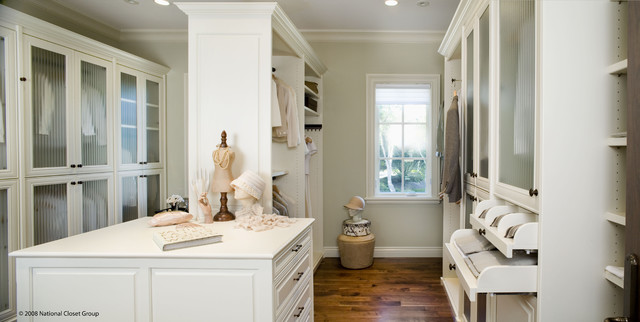 Siena Collection contemporary-closet