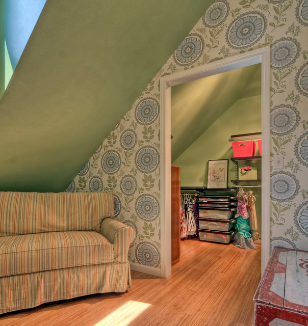 Contemporary Kids Bed and Bath transitional-closet
