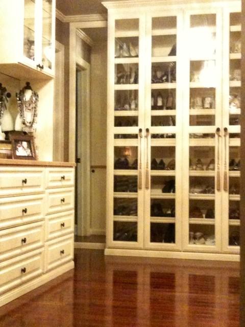 Corrado Master traditional-closet