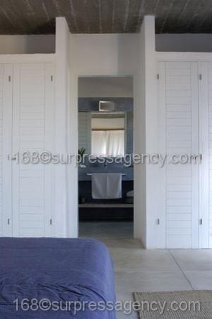 Cottage House DREAM COTTAGE contemporary-closet