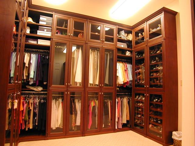 Example Of A Clic Closet Design In Houston
