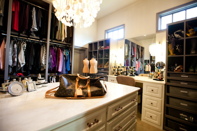 Custom closet traditional closet dallas by tiffany for Closets by design dallas