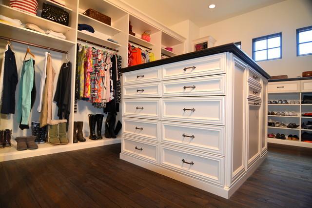 Custom Closets Traditional Closet