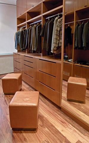 Custom Closets contemporary-closet