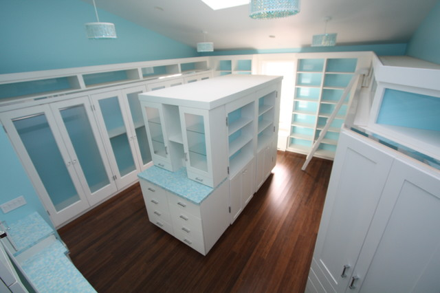 Custom Walk In Closets Contemporary Closet