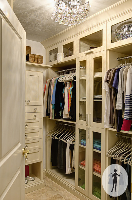Divine Closet traditional-closet