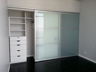 Downtown Toronto Condo Modern Closet Toronto By