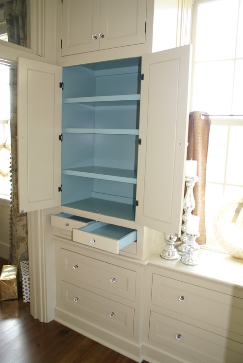 dressing cabinetry traditional closet