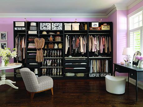 dressing room. Black Bedroom Furniture Sets. Home Design Ideas