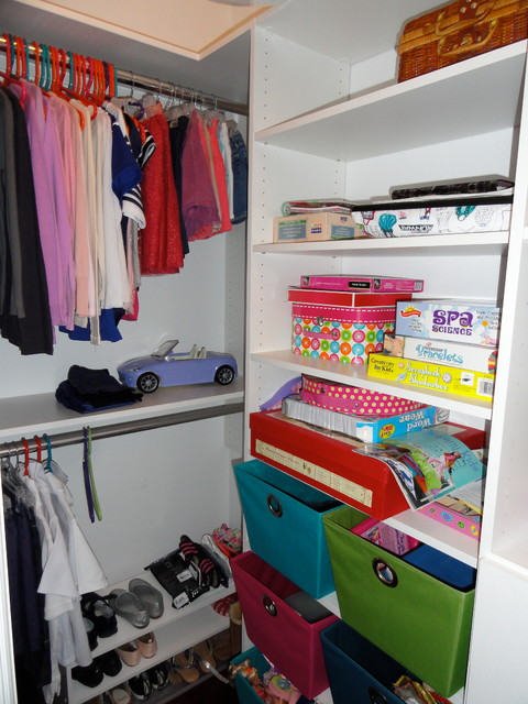 Dressing Rooms/Walk-In Closets contemporary