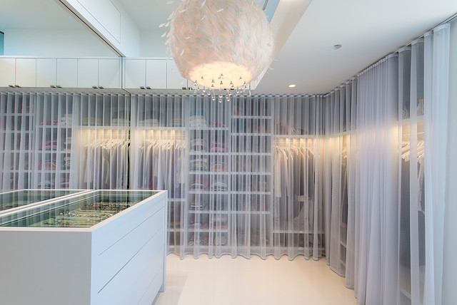 Dune Road, Quogue - Contemporary - Closet - New York - by JKRC- Jason Klinge Residential Contracting