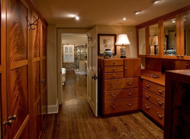 Eclectic Renovation traditional-closet