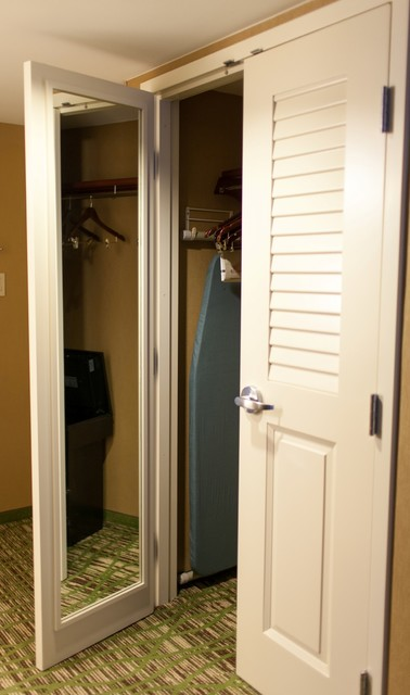 Photo Of A Contemporary Wardrobe In Chicago
