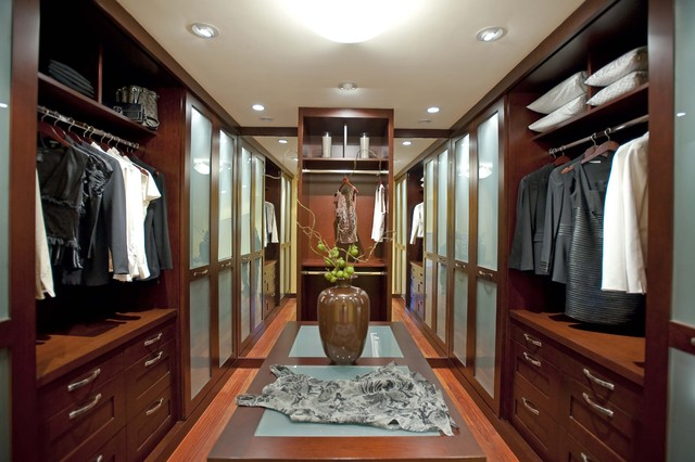 Featured in Gentry Design, Palo Alto Weekly Home & Garden and others contemporary-closet
