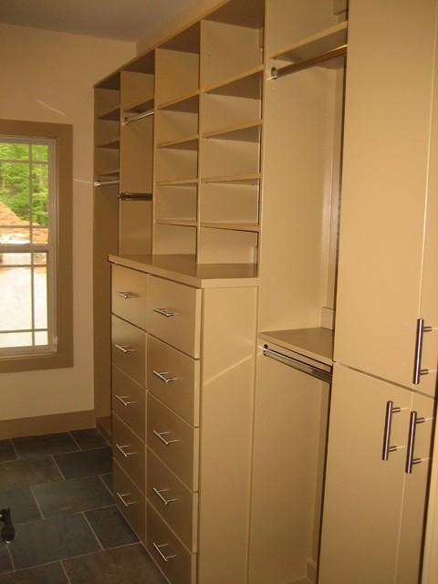 Frank Lloyd Wright inspired home modern-closet
