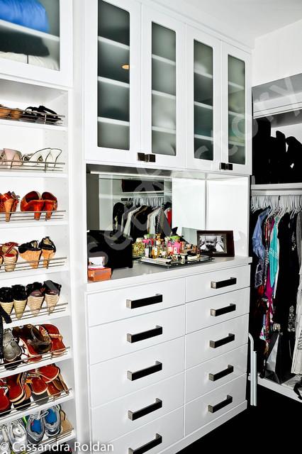Fun white modern walk in closet - Modern - Closet - Miami - by Kay Wade, Closet Factory