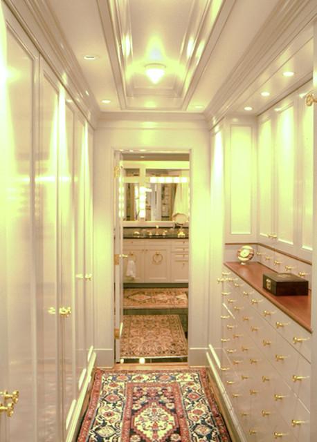 Furash traditional-closet