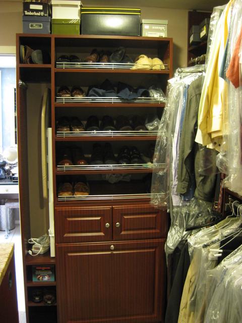 Gachman Master Closet traditional-closet