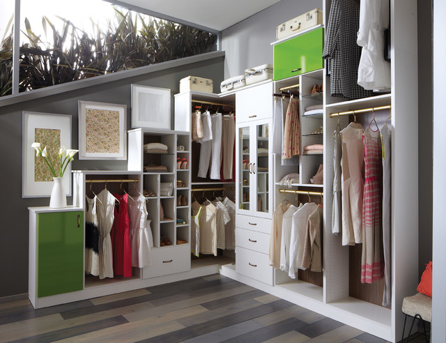 Inspiration For A Contemporary Closet Remodel In New York
