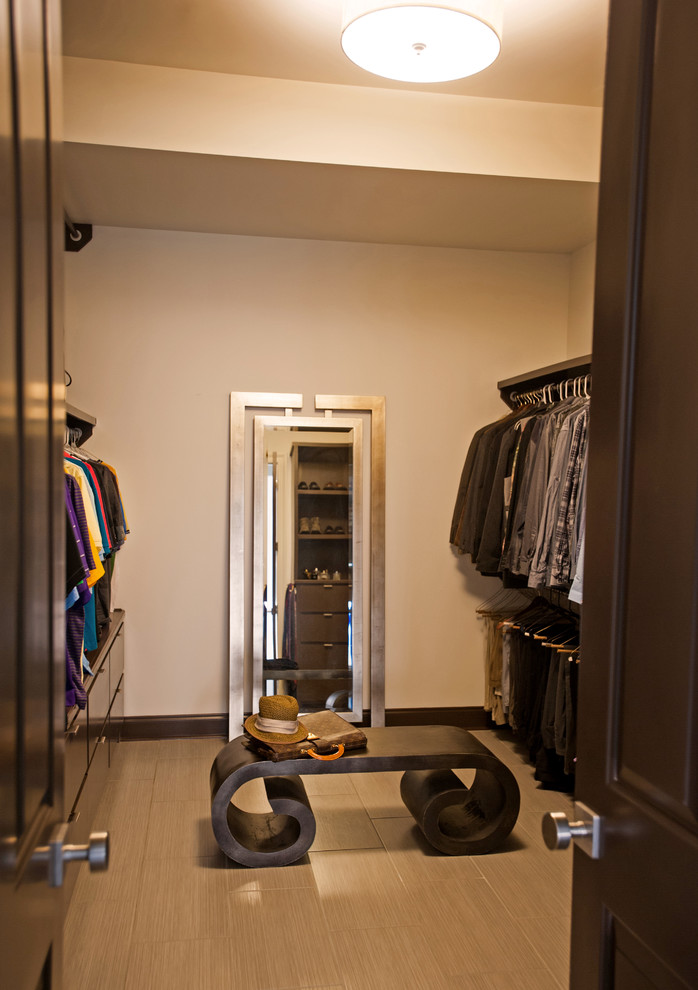Inspiration for a contemporary closet remodel in New Orleans